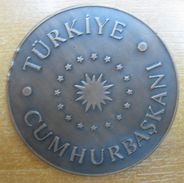 AC - COAT OF ARMS OF PRESIDENCY OF REPUBLIC OF TURKEY BRONZE MEDAL MEDALLION FROM TURKEY - Royal / Of Nobility