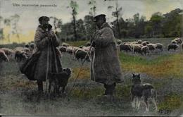 CPA Agriculture Ferme Paysans Culture La Vie Aux Champs écrite - Cultures