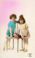 Postcard / CP / Postkaart / Girl / Fille / Boy / Garçon / Ed. S. A. P. I / Paris / No 1264 / 1925 - Grupo De Niños Y Familias