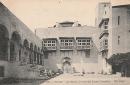 Tunis - Le Bardo, La Cour Des Lions, L'escalier  - Scan Recto-verso