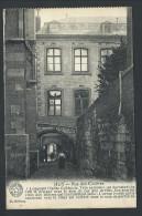 CPA - HUY - Rue Des Cloîtres - La Belgique Historique  // - Hoei