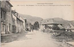 15 - SAINT-JACQUES-DES-BLATS - La Grande Rue Et Les Montagnes De La Chaîne Du Plomb - TBE - France