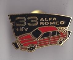 PIN´S  THEME AUTOMOBILE  ALFA ROMEO 33    16 V  COULEUR ROUGE - Alfa Romeo