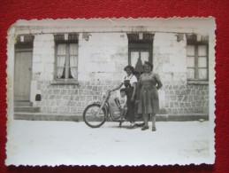 PHOTO 18,8 X 6  - MOTO , VESPA , SCOOTER ;;;; - Motos
