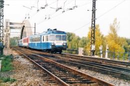 Chasse Sur Rhône (69) 22/10/1998 L'autorail X2829 Vient De Traverser Le Pont De L'Europe - Trains