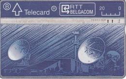 TARJETA DE BELGICA CON UNA ANTENA PARABOLICA PARA SATELITES (SATELLITE-SATELITE) - Astronomy