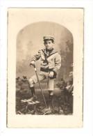 Carte Photo Enfant En Costume De Marin - 74 St Gervais Les Bains ( Cachet Photographe ) - Fotografia