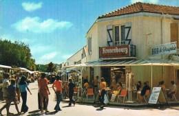 SAINTE - MARGUERITE - DE - PORNICHET . Bar ' Le Dauphin '' . Avenue Des Pins . - Francia