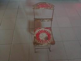 Chaise De Jardin Pour Poupee Poupon Hauteur Totale 40cm Hauteur A L'assise 20cm - Jouets Anciens