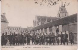 Calvados :  FALAISE  : Soldats , Cantonnement  De  La   Romaine - Falaise