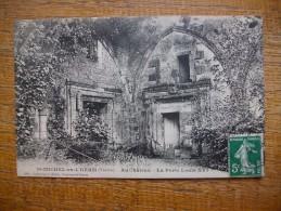 Saint-michel-en-l'herm , Au Château , La Porte Louis XVI - Saint Michel En L'Herm