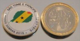 Sao Tome 2015 Bimetal Couleurs Drapeau - Sao Tome Et Principe