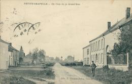 BELGIQUE PETITE CHAPELLE / Un Coin De La Grand'Rue / - Belgique