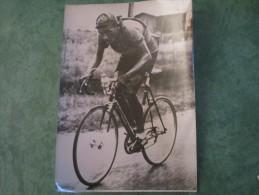 TOUR DE FRANCE 1950  -  DUSSAULT Vainqueur De La 10ème étape, Roule Seul Quelques Kilimètres Avant PAU - Cyclisme
