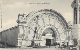 Exposition De Nancy 1909 - Un Palais (en Travaux) - Attelage - Imprimeries Réunies - Carte Non Circulée - Nancy