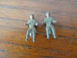 Figurine Militaire 1/43  Chauffeur  Pour Dinky Solido Cij Corgi ... Lot De 2 - Militares