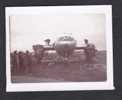 Petite Photo Originale Aviation Avion Accidenté à Identifier Accident Ailes Arrachées - Aviation