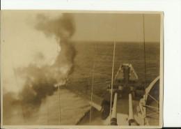 UNITED STATES   --  ORIGINAL PHOTO  -- SHIP  --   GARDINERS BAY ( AVP - 39 )   --  IN SHANGHAI, 1946 --  16 Cm X 11,5 Cm - Boten