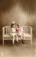 Postcard / CP / Postkaart / Boy / Garçon / Fille / Girl / Ed. LWA / No 62-5 / Unused - Grupo De Niños Y Familias