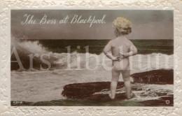 Postcard / CP / Postkaart / Bébé / Baby / The Boss At Blackpool / England / Rotary Photo / L. SI. B. / 1920 - Souvenir De...