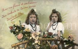 Postcard / CP / Postkaart / Filles / Girls / Naïda Et Elsa / Unused - Grupo De Niños Y Familias