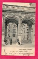 64 PYRENEES-ATLANTIQUES PAU, Porte D'Entrée Du Château, Animée, Précurseur,  (Royer, Nancy) - Pau