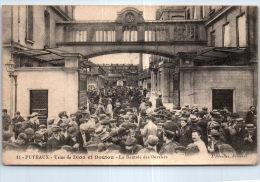 92 PUTEAUX - Usine De Dion Et Bouton - La Rentrée Des Ouvriers. - Puteaux