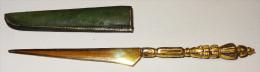 Curieux Petit Couteau - Knives/Swords