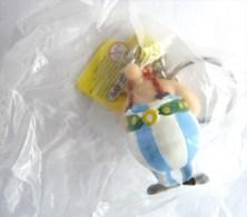 FIGURINE ASTERIX PLASTOY MINI OBELIX Braie Bleues Claires Porte Clés - Asterix & Obelix