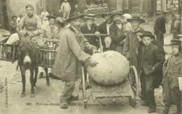 D/63 ¤  Puy-de-Dome. -- THIERS. -  PAYSANS DES ENVIRONS  ¤¤ TRÈS Belle Carte Animé ¤¤ - Thiers