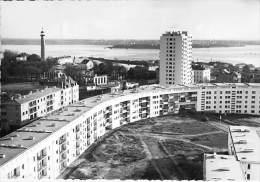 56 - LORIENT : La Banane Et Tour De 14 étages ( HLM Cité Lotissement Immeubles ) CPSM Dentelée Noir Blanc GF - Morbihan - Lorient