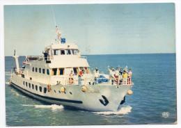 """Bateau Inter Iles Charente Maritime -1976--""""L´Ilienne"""" (animée),cpsm 15 X 10 N° 135/13 éd Artaud - Ferries"""