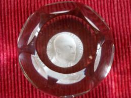 Rare Presse Papiers Baccarat Cristallo-Cérame Eisenhower - Presse-papier