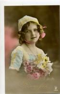 JOLIE FILLETTE Avec Bonnet Et Bouquet De Fleurs - Mode - Groupes D'enfants & Familles