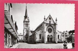 03 ALLIER CUSSET, L'Eglise, Animée,  (Yvon, Paris) - Frankrijk