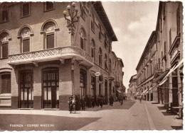 Emilia Romagna-faenza Corso Mazzini Particolare Veduta Banca Persone Negozi Anni 30/40 - Faenza