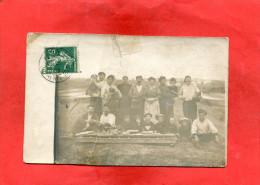 MARENNES / LE BREUIL  1910  METIER OSTREICULTEUR  UN PIQUE NIQUE  CIRC OUI  EDIT CARTE PHOTO - Marennes