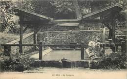 28 - GILLES - La Fontaine - Lavoir Beau Plan - Frankreich
