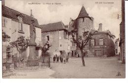 SAINT-CERE: La Place De L'Eglise - Saint-Céré
