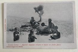 COLONIA ERITREA AGORDAT  RAGAZZE INDIGENE AL BAGNO SUL FIUME BARCA NV FP - Eritrea