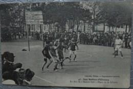 85 LES SABLES D'OLONNE LE JEU DE BASKET BALL PLACE DE LA LIBERTE - Sables D'Olonne