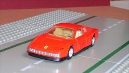 FERRARI TESTAROSSA Rouge - échelle 1/39ème - Cars & 4-wheels