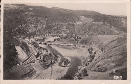 Les Gorges De L'Allier à Chapeauroux Le Pont Et Le Grand Viaduc - France