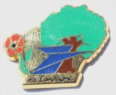 Pin´s LA POSTE  - Le Logo - Fleur Rouge - Arbre - Zamac -  Ballard - F146 - Mail Services