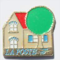 Pin´s  LA POSTE - Bureau De Poste Ou Maison Et Arbre -   -  F140 - Mail Services