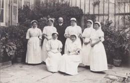 CPA PHOTO Authentique  Militariat  CROIX ROUGE Groupe INFIRMIERES Et DOCTEUR Ecrite 1913 - Croix-Rouge