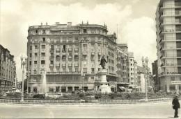 Valladolid - Plaza De Zorrilla Y Caja De Ahorros - Valladolid