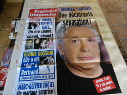 AFFICHE FRANCE DIMANCHE MICHEL SARDOU REGARDEZ MES VENTES ! J´EN AI D´AUTRES - Tijdschriften: Abonnementen
