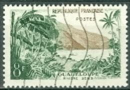 Frankreich 8 F. Gest. Guadeloupe Strand Bäume Palmen - Ferien & Tourismus