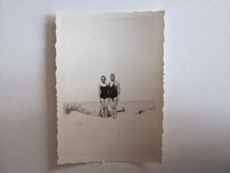 Photo  Photos Photographie Quend Plage Somme Homme Torse Nu Femme Maillot De Bains  1935 - Lieux